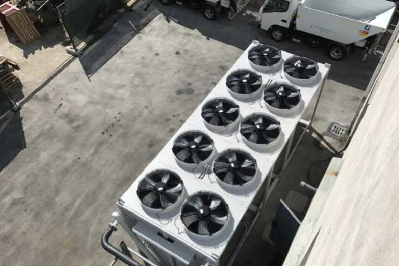Impianto a biomassa legnosa 200KW: dry cooler - vista dall'alto