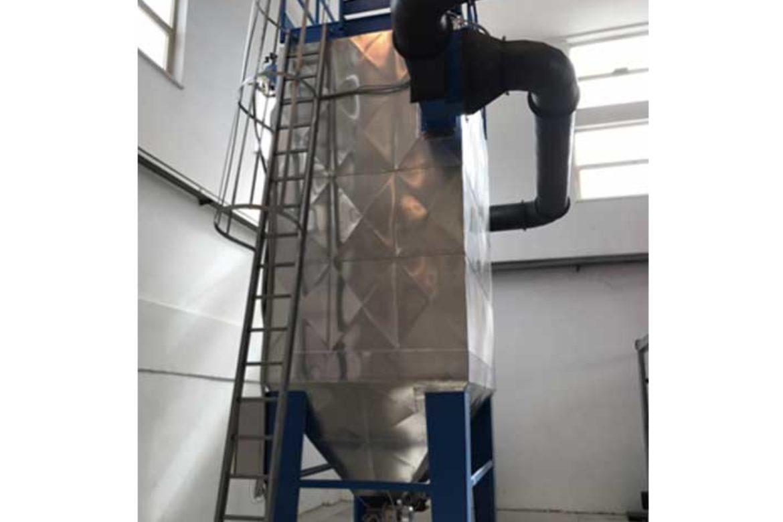 Impianto a biomassa legnosa 200KW: filtri a maniche fumi